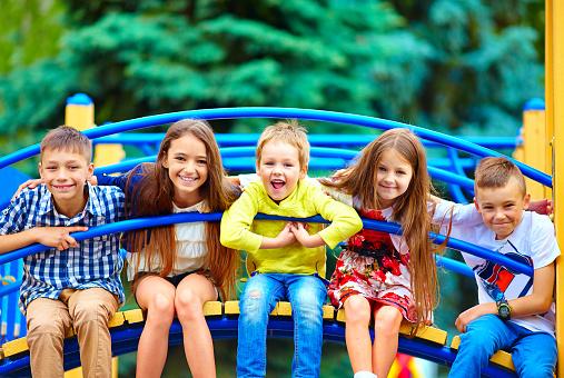 Découvrez les parcs d'attractions pour les enfants en France